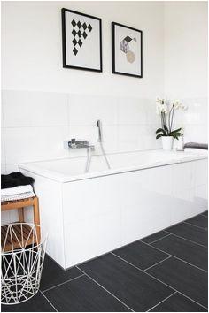 cb4e3bd7e2df1d450a6643e92a3 judith bathroom ideas