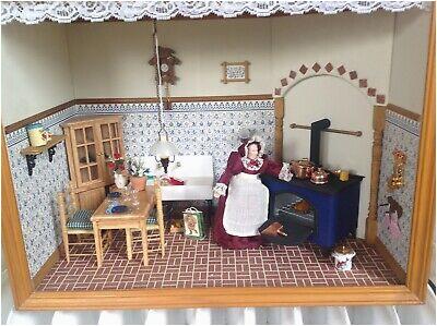 Antike Puppenstube Küche mit Zubehör Mit Beleuchtung