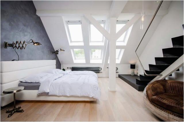 Dachschräge schlafzimmer schwarz weiß modern Design mit Dachfenster und holzboden Ideen 1024x678