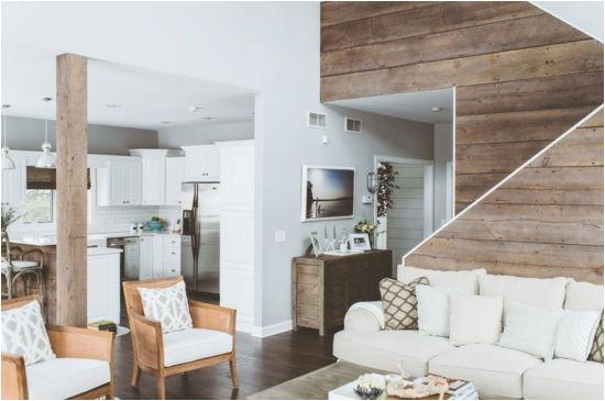 k C3 BCche und wohnzimmer gestalten sofa wohnideen im landhausstil holzbalke w C3 A4nde aus holz