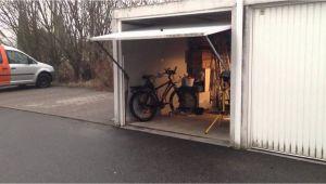 Altes Garagenschwingtor Garagentor