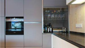 Grau Kuche Ideen Quiz Rolloschrank Aus Glas Passend Zur Farbe Der Küchenfront