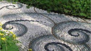 Kieselsteine Im Garten Verlegen Steinweg Gestalten Kieselsteine Im Garten Verlegen Mit
