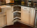 Küchentisch Für Zwei Türen Deko Ideen Den Eckschrank Der Küche Komfortabel Gestalten