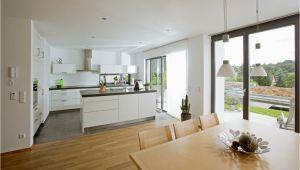Offene Moderne Küche Fene Küche Modern Weiß Mit Kücheninsel Und Esstisch Holz