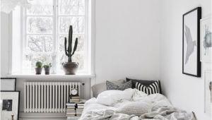 Schlafzimmer Einrichten Skandinavisch Les Petites Surfaces Du Jour Draps De Lin Froissés