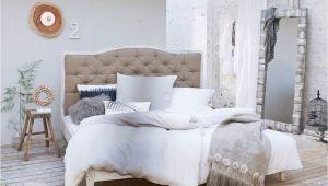 Vintage Schlafzimmer Einrichten Bett Weiß Im Vintage Look Für Einen Luftig Stylischen